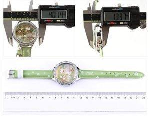 Medidas del reloj pulsera en 3d primavera