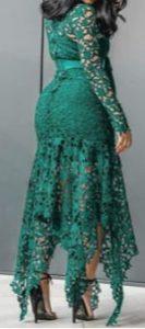 vestido verde militar con tacón