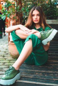 outfit con tonos verdes