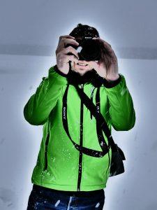 photographer, taking photos, snow-639927.jpg